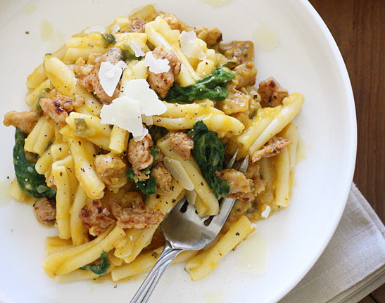 Pasta-with-Butternut-Squash,-Spicy-Sausage-and-Baby-Spinach