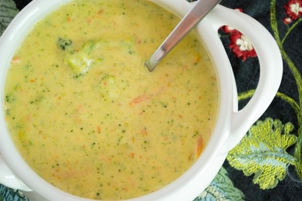 cheddar-broccoli-soup